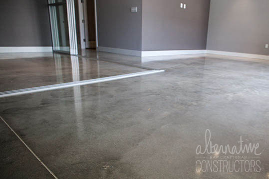 the alternative floor polisher Quality hardwood floor restoration can be expensive, even if you're looking for a simple wood floor polish you can get results just as great as using a professional service with a few practical alternatives that can help save you money.